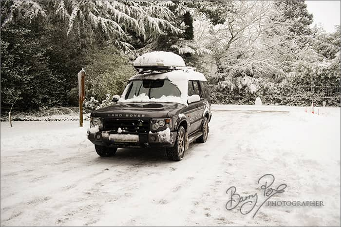 land rover in snow