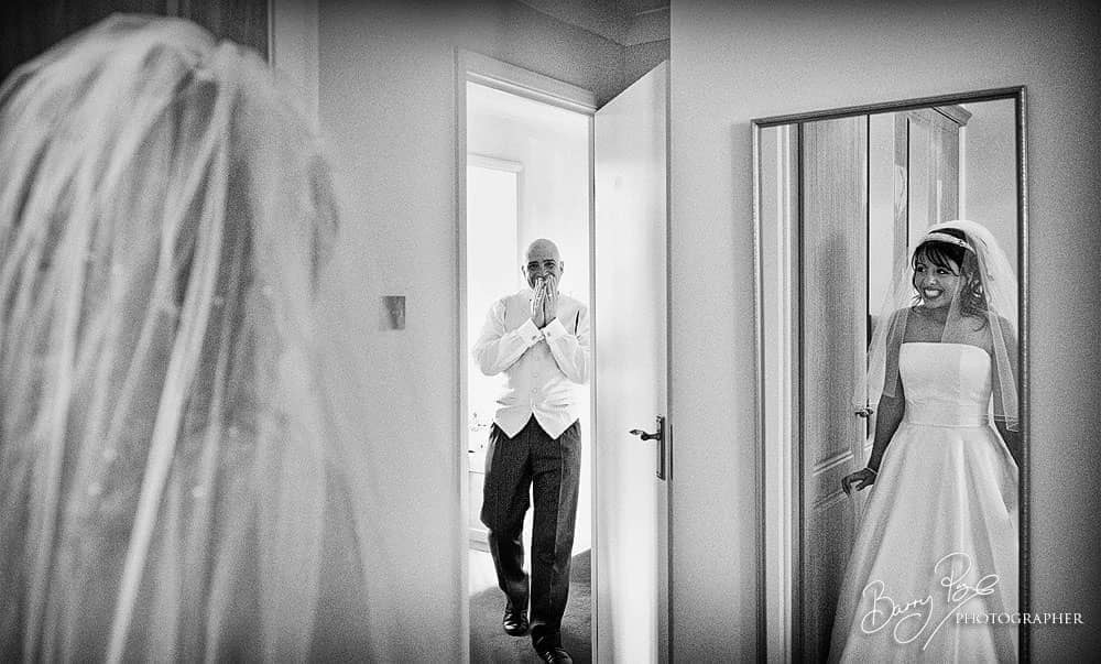 father sees daughter on wedding day